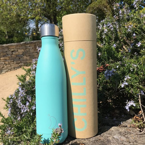 chillys bottle light blue and cylinder box